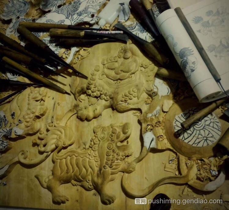 近期创作的一副木雕作品