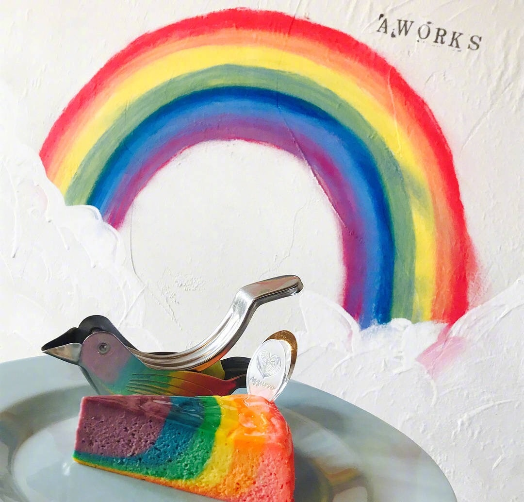 AWORKS甜品店的彩虹芝士蛋糕