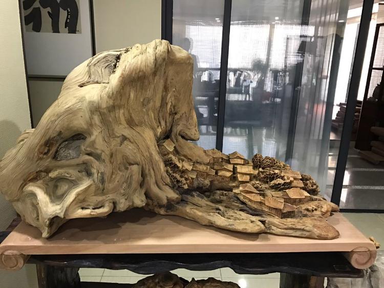 从哪些方面可以鉴别崖柏根雕的好坏?