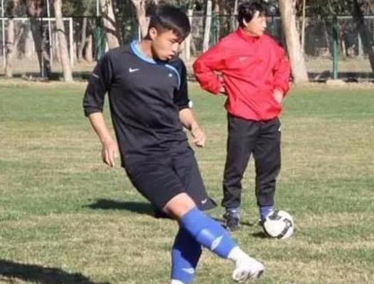 【足球教学】足球初学者不得不看的基本功