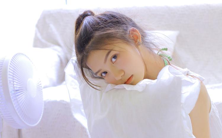 清新可爱氧气美女写真