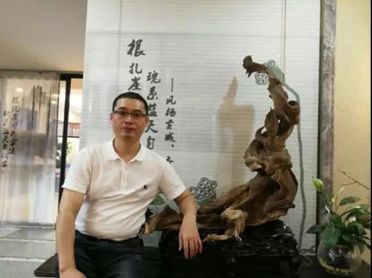 中国崖柏收藏家系列专访之四——根魂陈馗