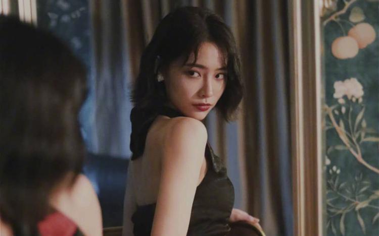 许佳琪印花旗袍性感写真