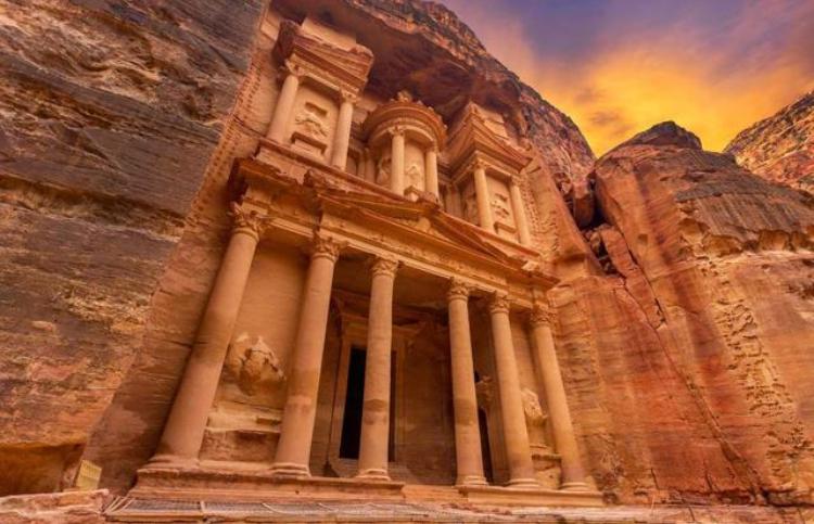出国旅游:10个世界顶级景点,旅游省钱小妙招!