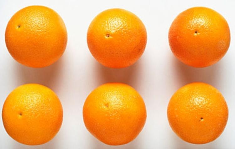 吃橙子虽然好处多,但并不是每个人都适合吃的